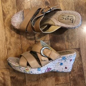 B.O. C born wedge floral leather sandal size 7